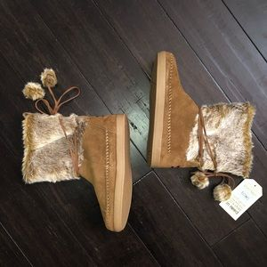 TOMS Winter Suede Furry Boots Booties